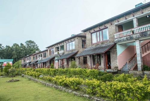Front View of Himalayan Deurali Resort & Spa